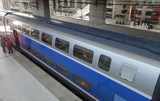 RER в Париже. Двухэтажный поезд.